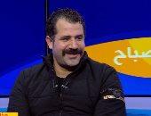 """الفنان محمود حافظ: """"الحياة مشاركة.. وكنت بسيق الشقة وأغسل المواعين لوالدتى"""""""