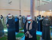 """""""أوقاف أسوان"""" تفتتح مسجد الإمام البخارى بإدفو وسط إجراءات احترازية.. صور"""