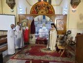الكنائس الكاثوليكية تنظم قداسات للاحتفال بالعام الميلادى الجديد .. صور