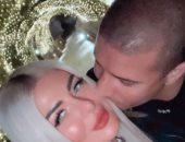 محمد زيدان يحتفل بالعام الجديد بصحبة زوجته × 3 صور رومانسية