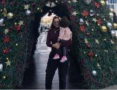 """حنان مطاوع مع ابنتها """"أماليا"""" من أمام شجرة الكريسماس: أجمل ما فى حياتى"""