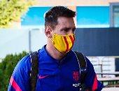 نجوم برشلونة يصلون هويسكا بقيادة ليونيل ميسى من أجل مباراة الليلة.. صور