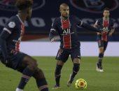 رافينيا هو لاعب باريس سان جيرمان المصاب بكورونا