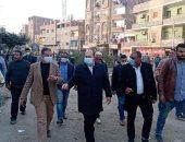 نائب محافظ الجيزة يتفقد مشروع الرصف بطريق الكوم الأحمر بأوسيم