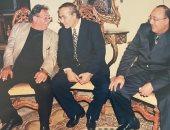 رانيا محمود ياسين تكشف عن صورة نادرة لوالدها الراحل مع أفراد العائلة