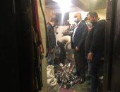 حى الدقى ينفذ حملة لرفع الإشغالات ويضبط كافية فى شارع ايران يقدم الشيشة
