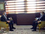 """وزير التنمية المحلية يرد على سؤال خالد صلاح """"هل فساد المحليات للركب؟""""..فيديو"""