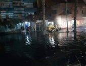 تعطل المرور بطريق الإسماعيلية الصحراوى بسبب كسر خط المياه الرئيسى بالشروق