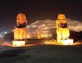 مدينة القرنة تبدأ مشروع إضاءة جبل البر الغربى ليلاً قبل الموسم السياحى الشتوى.. فيديو وصور