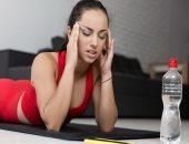 5 حركات يوجا تساعدك على تخفيف الآلام وأعراض الصداع النصفي