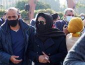 لحظة انهيار زوجة هادي الجيار وابنته أثناء تشييع الجثمان.. صور