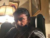 """أحمد العوضي ينشر صورة من استعداداته لمسلسل """"اللى مالوش كبير"""""""