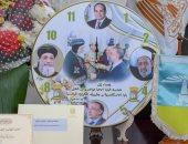 محافظ الإسكندرية يقدم هدية إلى البابا تواضروس لتهنئته بعيد الميلاد المجيد