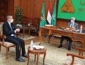 رئيس جامعة المنوفية يلتقى مسئول الطلاب الوافدين من العراق