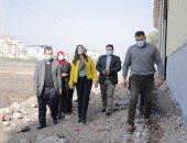 محافظ دمياط توجه بإزالة بناء لطابق علوى مخالف بعقار فى قرية البساتين