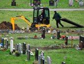 بريطانيا تشيد مقابر إضافية لضحايا كورونا فى ذكرى وفاة أول حالة فى العالم