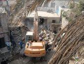 محافظة القاهرة تزيل عقارات مسجد المسبح بالسيدة عائشة وتنقل الأسر للأسمرات