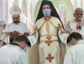 الأنبا باخوم يترأس قداس سيامة شمامسة بالكنيسة الكاثوليكية فى طنطا