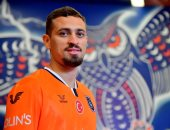 ميلان يعلن انتقال مدافعه ليو دوراتى إلى باشاك شهير التركى