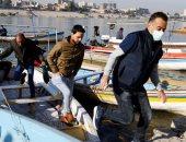 من السيارة للعبّارة.. ركاب بغداد يهربون من الاختناقات المرورية إلى الجسور.. ألبوم صور
