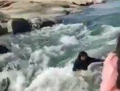 هوس السوشيال ميديا.. صورة سيلفى تتسبب فى غرق امرأة هندية.. فيديو وصور