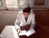 """""""طبيب الغلابة"""".. عمل فنى يحكى سيرة الدكتور محمد مشالى.. أسرة الطبيب الراحل تمنح مجموعة شبابية الثقة فى انتاج العمل.. وسيناريست الفيلم: يخرج إلى النور خلال أسبوعين واشتغلنا بالجهود الذاتية.. فيديو وصور"""