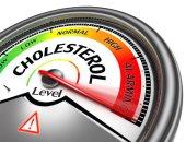 طرق بسيطة لخفض مستوى الكوليسترول الضار.. تناول الأسماك والمكسرات الأبرز