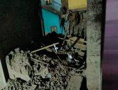 انهيار منزل من 3 طوابق دون خسائر بشرية بنجع حمادى.. صور