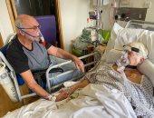 آخر وداع.. السماح لمسنين بريطانيين باللقاء بعد تدهور صحة الزوجة بسبب كورونا