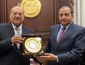 صور.. رئيس الشيوخ يستقبل رئيس جامعة بنى سويف.. ويؤكد أهمية التعاون مع الجامعات