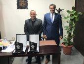 مدير معابد الكرنك يفوز بجائزة زاهي حواس لأفضل أثري فى وزارة السياحة لعام 2020