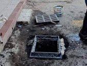 تسليك وتطهير بالوعات الأمطار بشوارع مدينة بور فؤاد تحسبا للأمطار .. صور