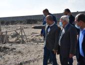 محافظ بور سعيد يتفقد إنشاء مصنع المواد الخام المغذية لإنتاج إطارات السيارات