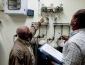 البيئة تواصل التفتيش على شبكات الأكسجين بالمستشفيات في البحر الأحمر.. صور