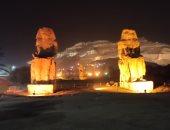 """""""ممنون"""".. أضخم تماثيل الفراعنة بالأقصر يدخلان مشروع الإضاءة الليلية للمعابد"""