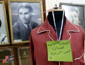 بيجامة عمر الحريري فى متحف الفنانين بالمركز القومي للمسرح والموسيقى.. صور