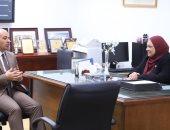 رئيسة الصحة النفسية تكشف خطة مواجهة كورونا بين المرضى النفسيين.. مستشفى القاهرة الفاطمية يستقبل المصابين.. وتوفير الخدمة داخل مستشفيات العزل والصدر والحميات.. وأكثر من نصف مليون مواطن يتلقون العلاج منذ يناير