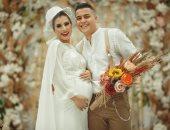 """القصة الحقيقية لصورة """"العروس الحامل"""" التى قلبت السوشيال ميديا.. صور وفيديو"""