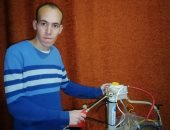 """""""محمد"""" يتخترع جهازا يحول ماء الصرف الصحى لوقود هيدروجيني دون مواد كيماوية"""