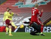 """مباراة ليفربول ضد بيرنلي .. بارنز يتقدم للضيوف من ركلة جزاء """"فيديو"""""""