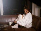"""سميرة سعيد تخطف الأنظار ببساطتها فى جلسة تصوير جديدة لأغنية """"بحب معاك"""""""