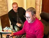 أمير محروس بصحبة الهضبة: كان نفسى اشتغل مع عبد الحليم حافظ وربنا ادانى عمرو دياب