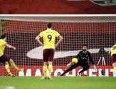 ليفربول يتلقى هزيمة تاريخية أمام بيرنلي فى الدوري الإنجليزي