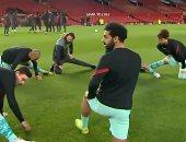 مانشستر يونايتد ضد ليفربول.. شاهد الاستعدادات النهائية لمحمد صلاح وزملائه للمباراة