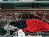 كورونا يهدد باتساع الفجوة بين الأغنياء والفقراء فى العالم.. تقرير: 1000أغنى شخص زادت ثرواتهم بمقدار 3.23 تريليون يورو..100 مليون فى براثن الفقر المدقع في عام 2020..النساء أكثر تأثرا بعواقب الأزمة أكثر من الرجال
