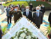 محافظ كفر الشيخ ومدير الأمن يضعان إكليلا من زهور على نصب شهداء الشرطة.. صور وفيديو