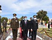 محافظ مطروح يضع أكاليل الزهور على النصب التذكارى لشهداء الشرطة.. صور