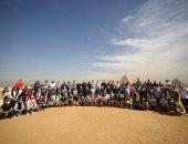 150 إعلاميا أجنبيا يزورون أهرامات الجيزة ويعربون عن سعادتهم بحضارة مصر.. صور