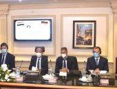 """""""العربية للتصنيع"""" تبحث مع سكودا العالمية إحلال المركبات للعمل بالغاز الطبيعى"""