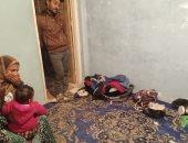 """حياة على كف عفريت.. أسرة تعيش فى ماسورة مياه وطموحها """"4 حيطان"""".. فيديو"""